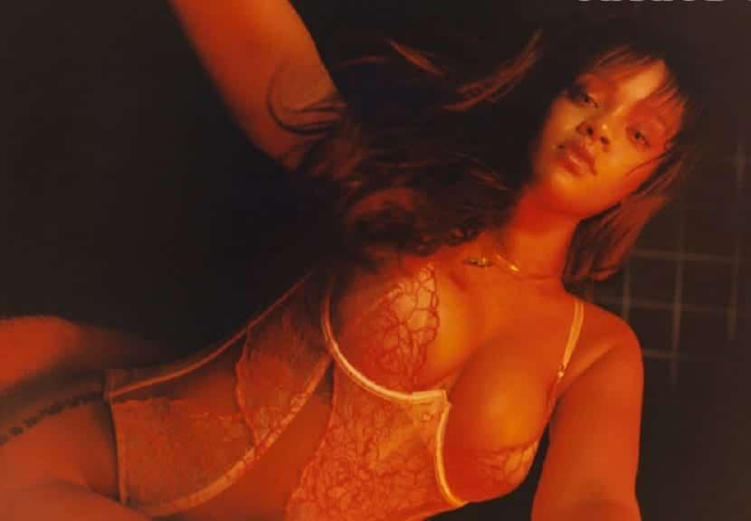 Rihanna presenta colección de lencería