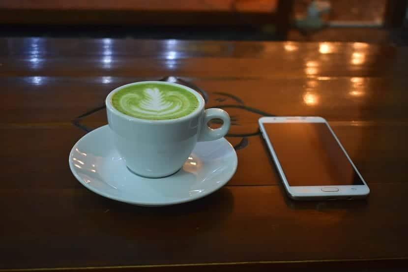 Taza de café verde