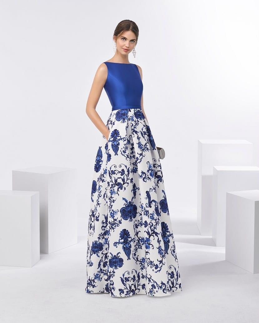 Como combinar un vestido estampado para una boda