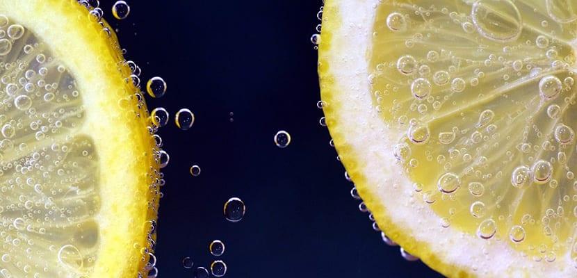 Agua con limón para eliminar toxinas