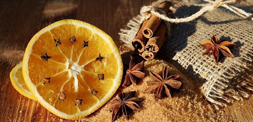 Ambientador natural de naranja, canela y clavo
