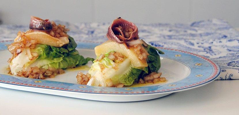 Cogollos con queso fundido y anchoílla
