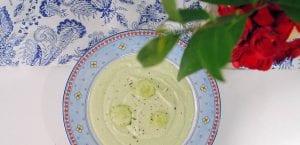 Crema fría de aguacate, pepino y yogur