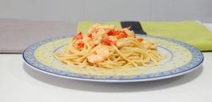 Espaguetis con langostinos al curri