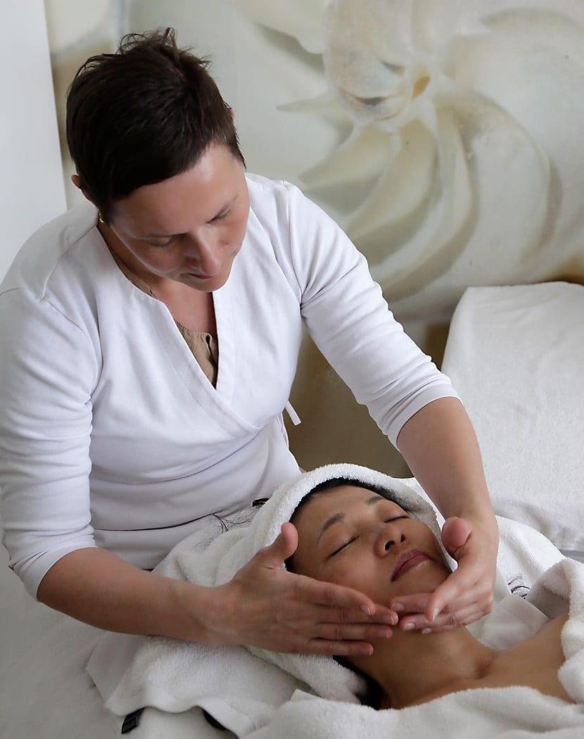Pasos para un masaje facial