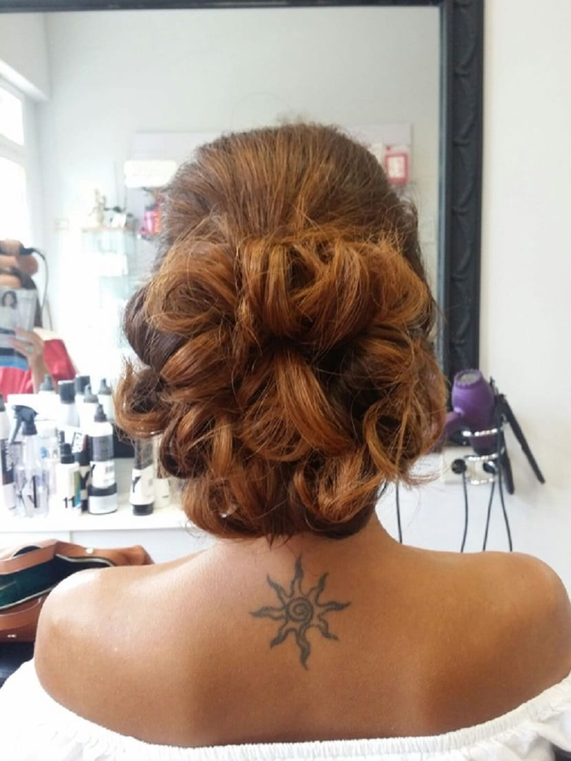 Peinado con moño despeinado