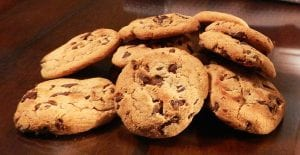 Galletas con pepitas de chocolate o cookies americanas