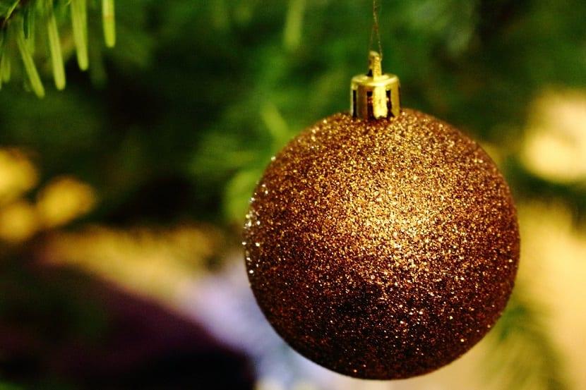 Bolas de navidad con purpurina