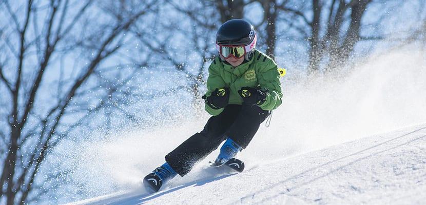 Esquiar en la nieve