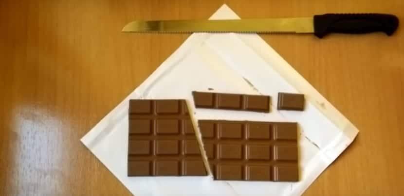Truco de la tableta de chocolate paso a paso