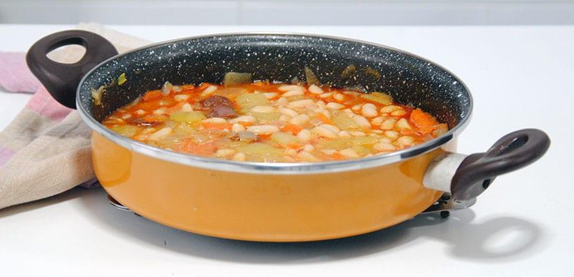 Jud as blancas con verduras y chorizo - Judias con chorizo y patatas ...