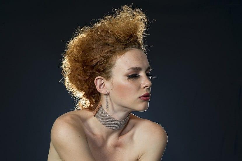 Peinados fijados con laca