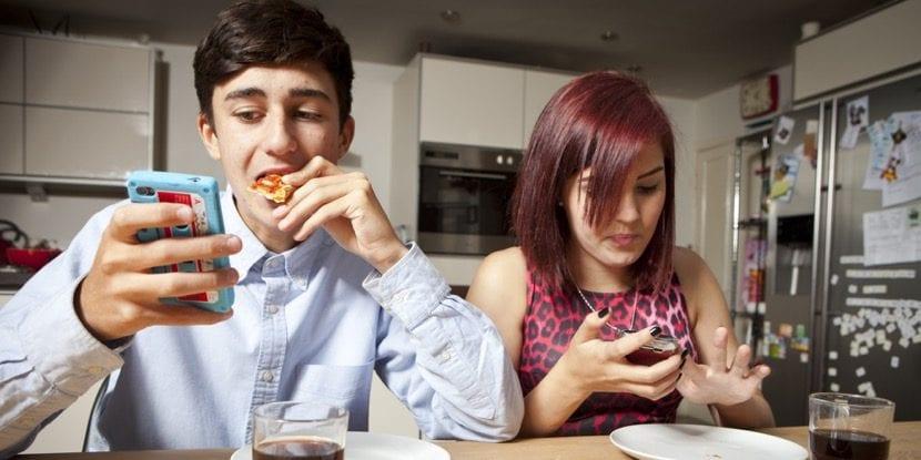 adolescentes demasiado conectados