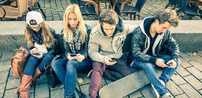 adolescentes desconectados de la vida real