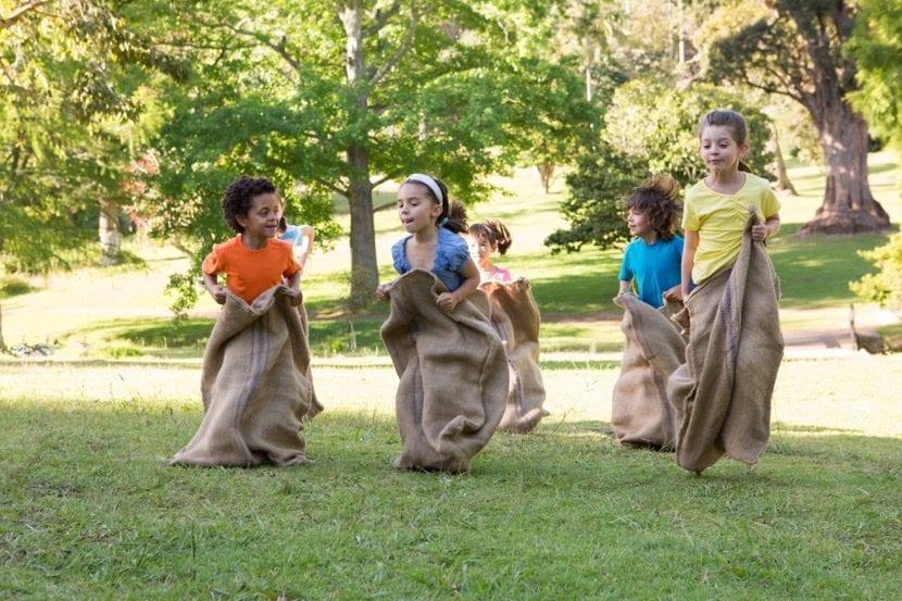 niños que aprenden a competir