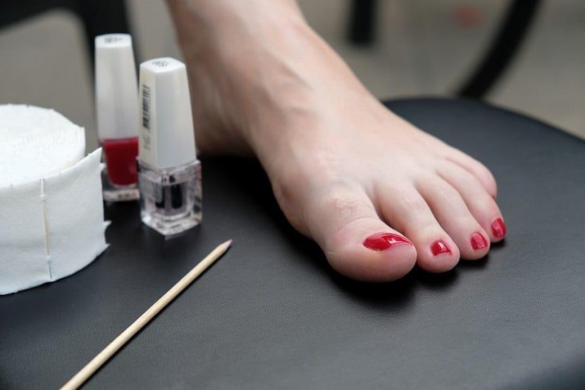 Cortar y cuidar las uñas de los pies
