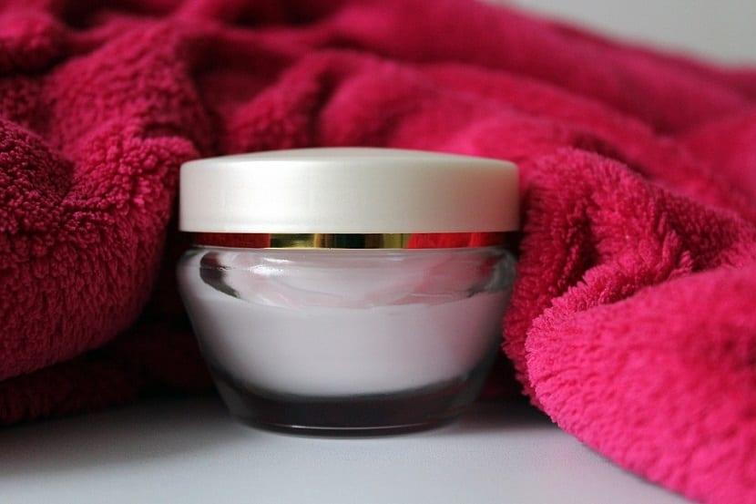 Crema facial antiarrugas