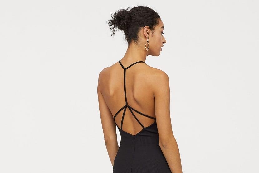 Escote vestido en espalda