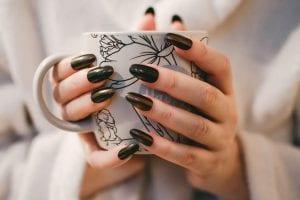 Cómo limpiar las uñas
