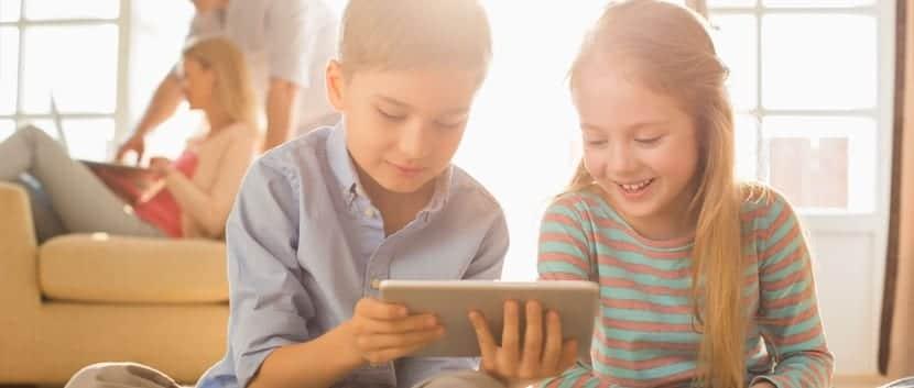 nenes con tablet