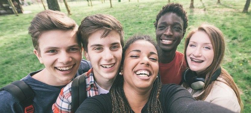 felices adolescentes de 16 años
