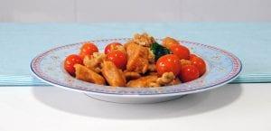 Gnocchis de boniato con cherrys y albahaca