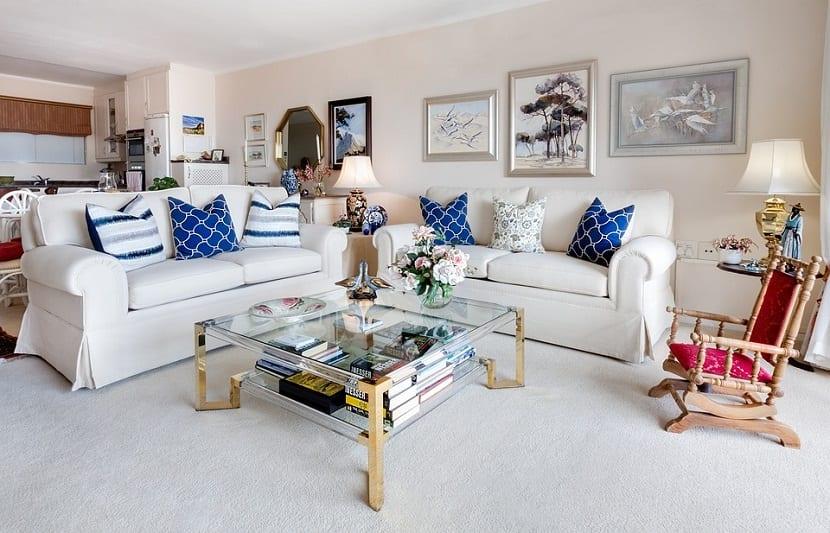 decoración en blanco y azul