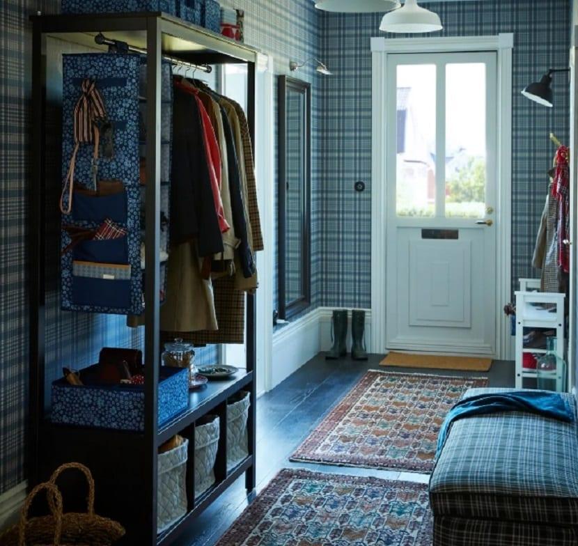 armario abierto como recibidor