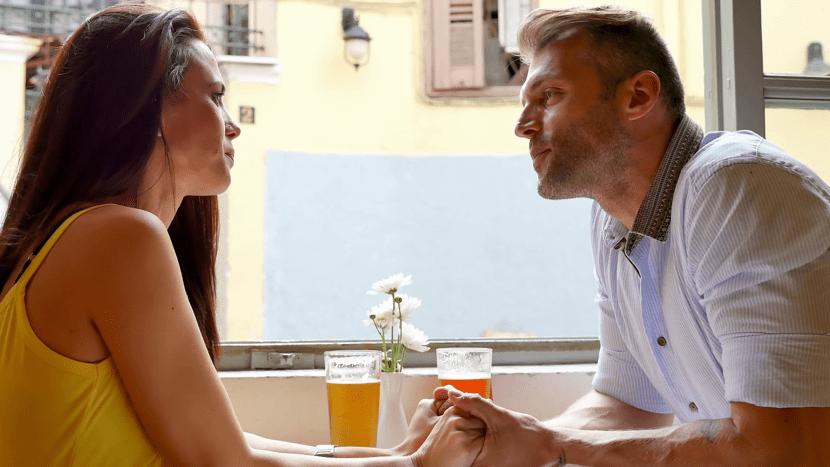 pareja discutiendo desde el corazon
