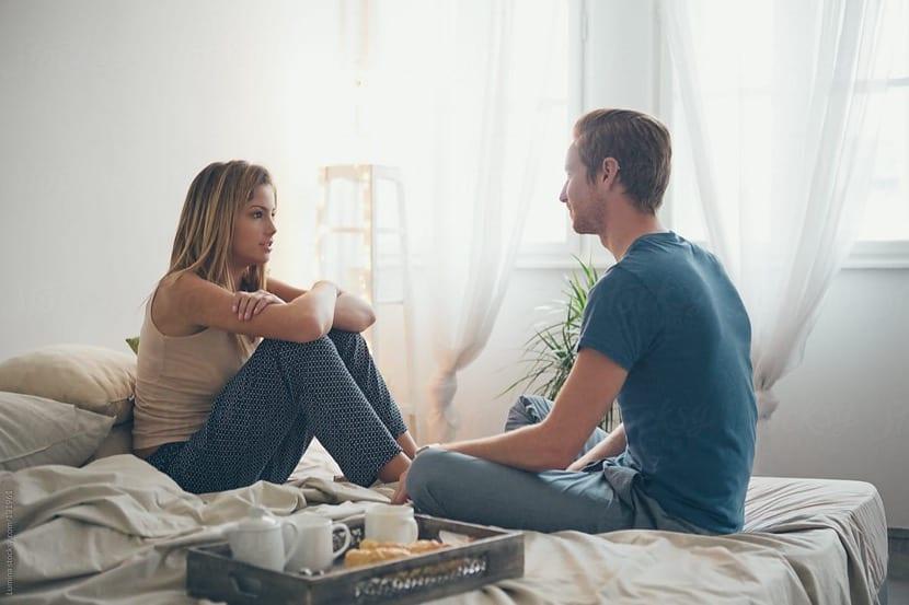pareja resolviendo un conflicto