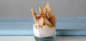 Vasitos de avena, pera y pistachos