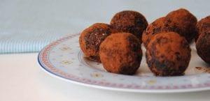 Bolitas energéticas de frutos secos y cacao
