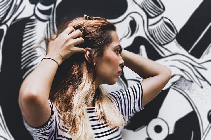 beneficios del exfoliante del cabello