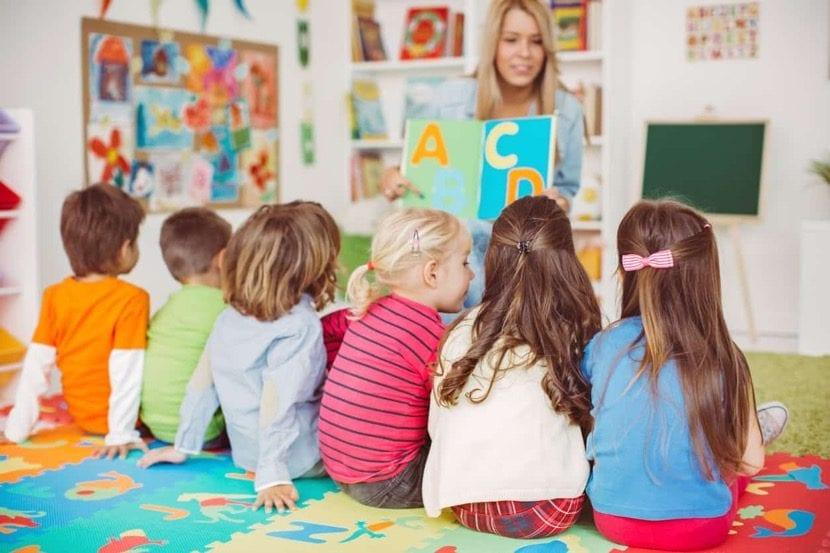 maestra de centro infantil