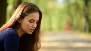 mujer triste en su relacion