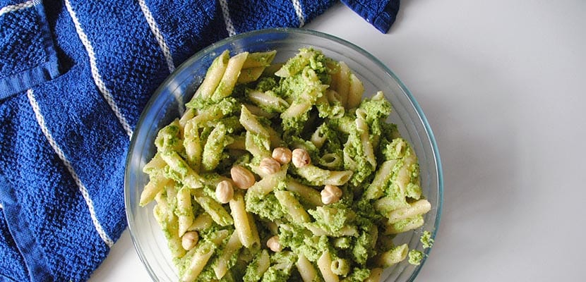Macarrones con pesto de brócoli
