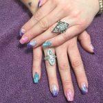 manicura con purpurina
