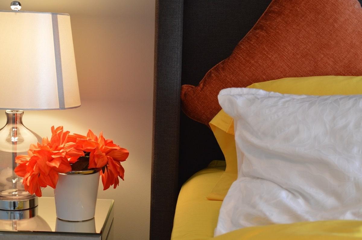 color naranja en dormitorios