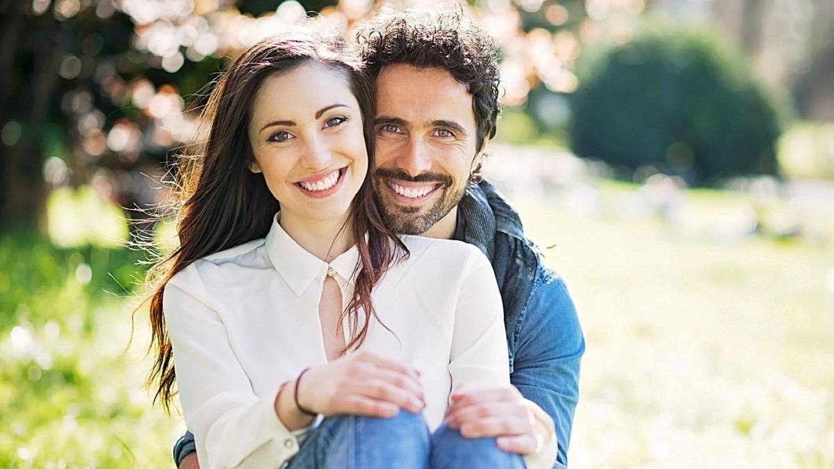 pareja que es feliz