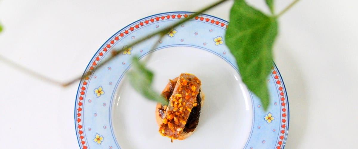 Canapés de cebolla al Pedro Ximenez y foie