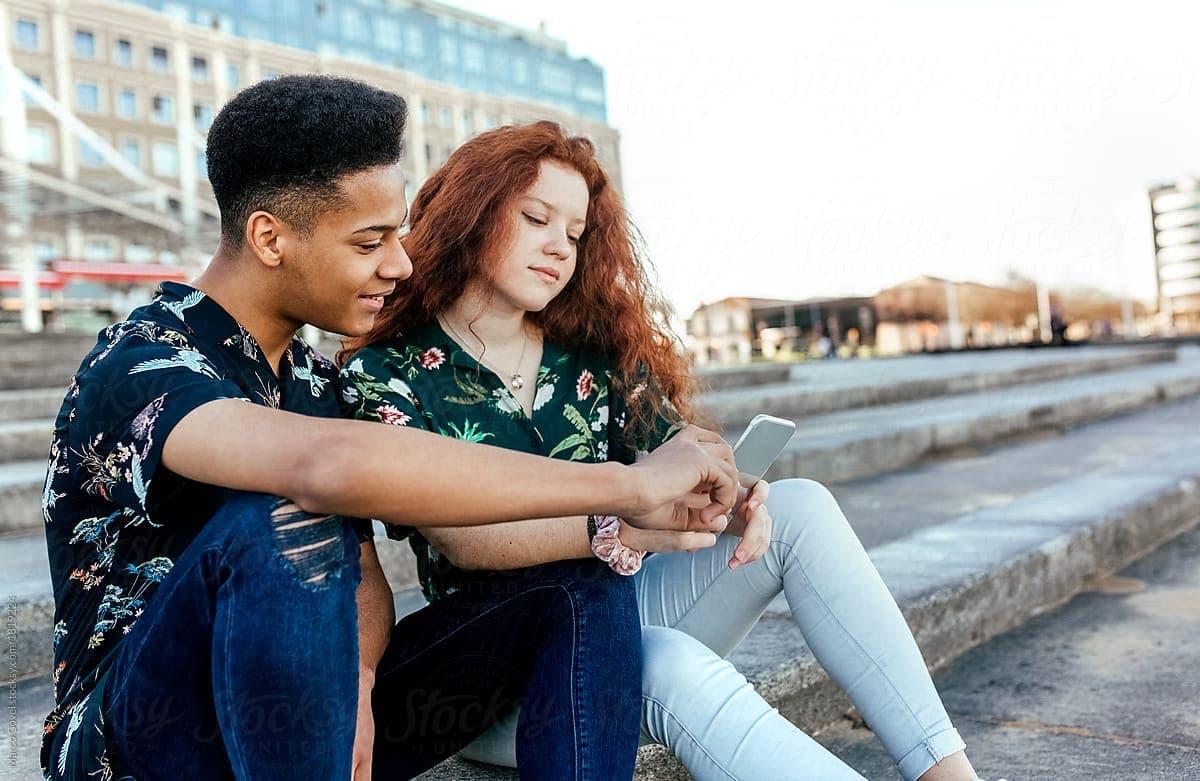 novios en la adolescencia