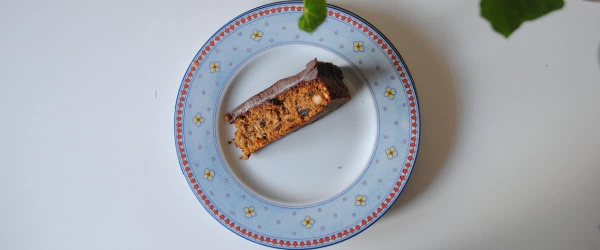 Pastel de chocolate y avellanas