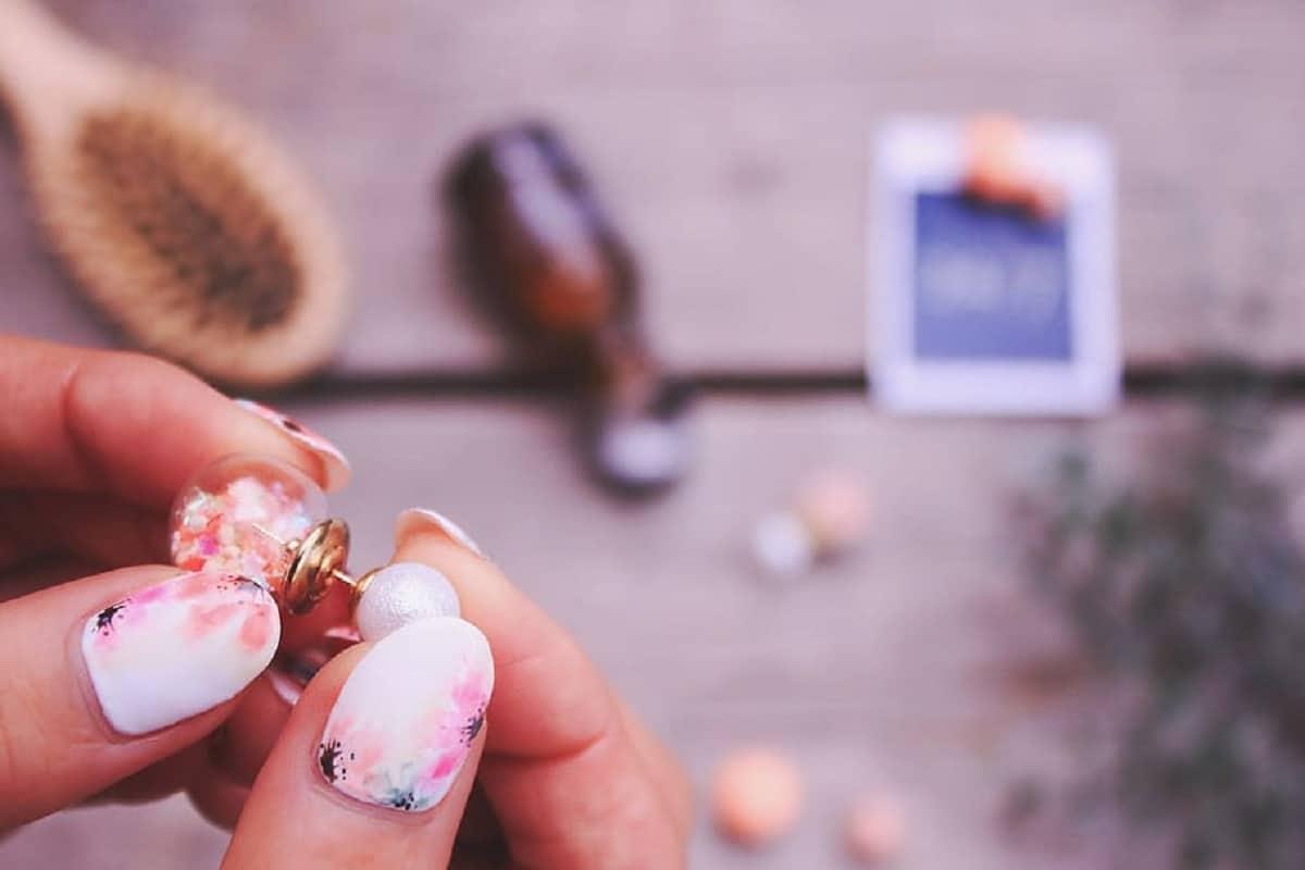 Manicura con flores