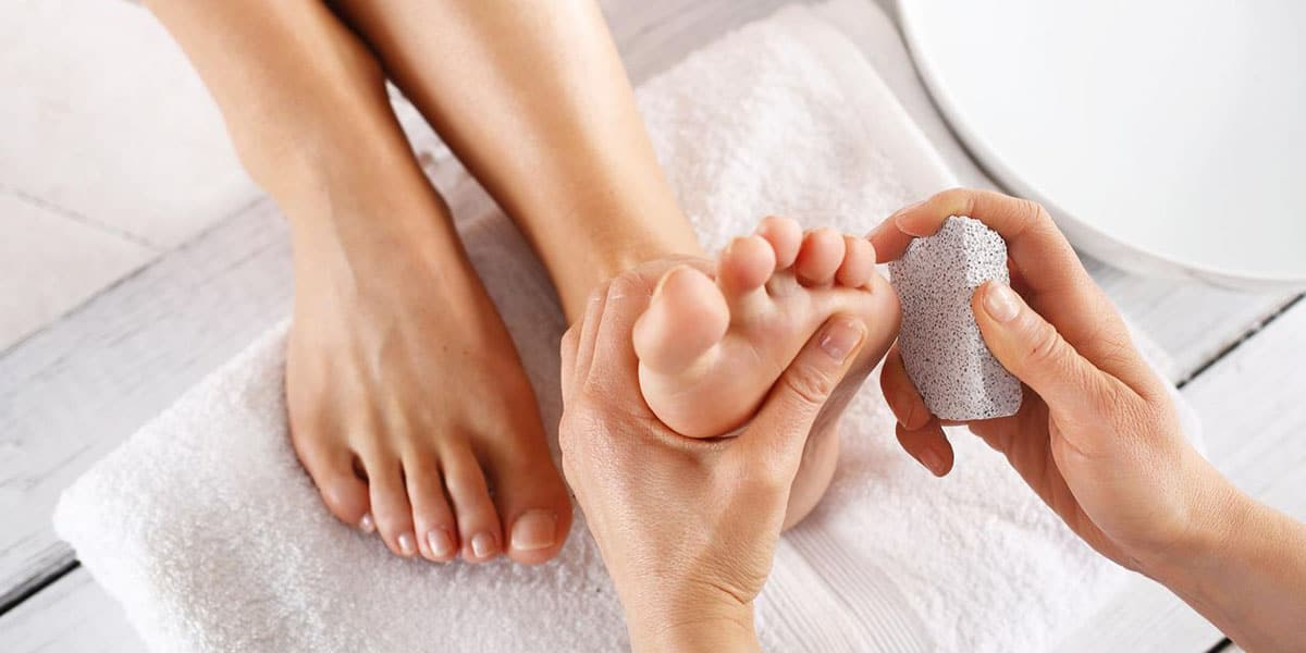 Exfoliar los pies