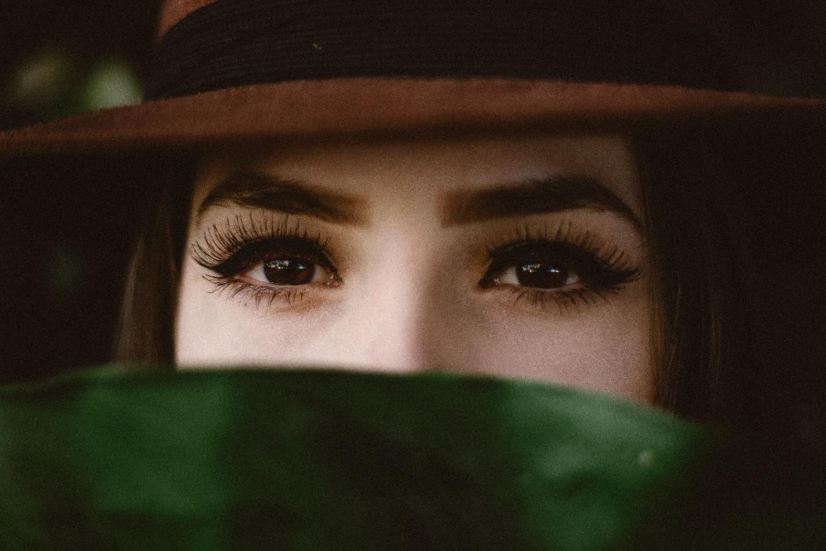 maquillaje de ojos mascarilla