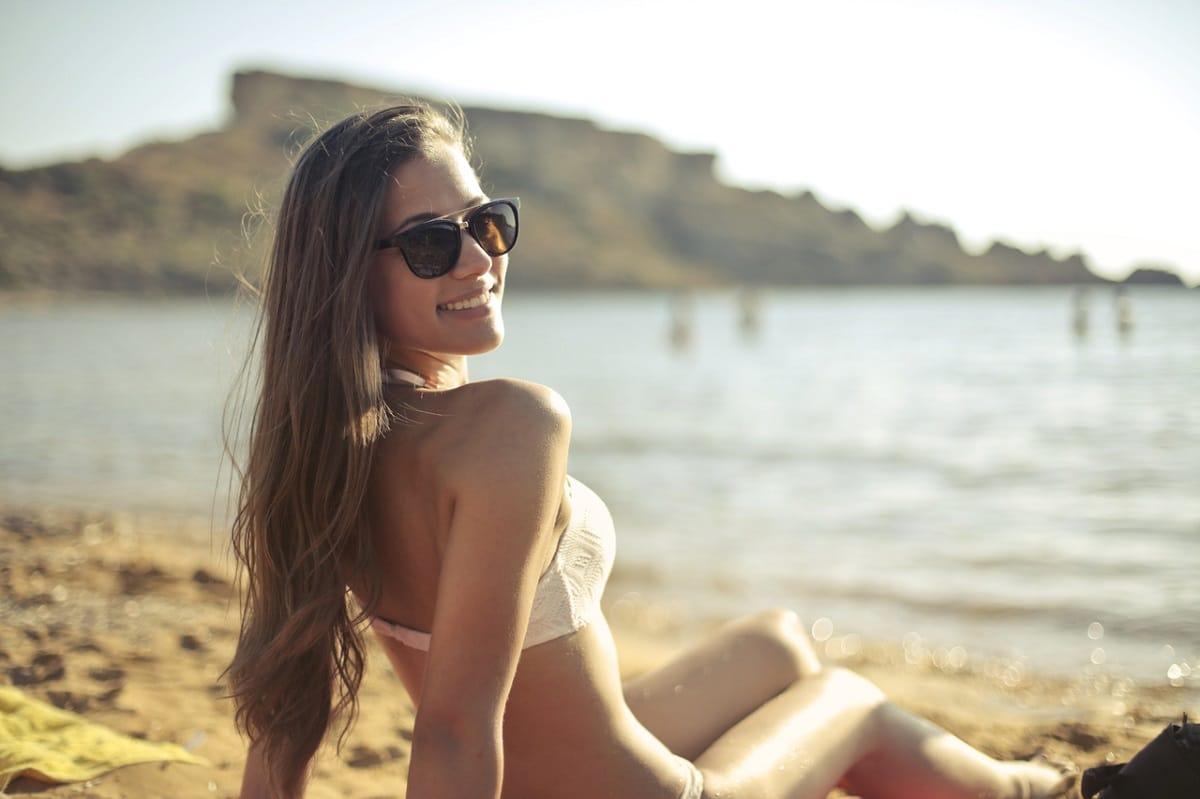 lavar el pelo despues de playa