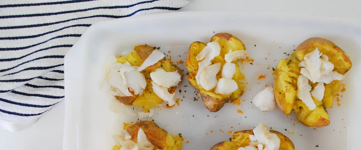 Patatas chafadas con bacalao