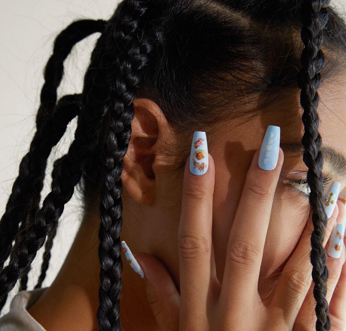 uñas postizas azul