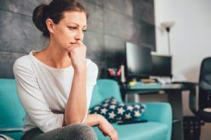 mujer-triste-con-ansiedad