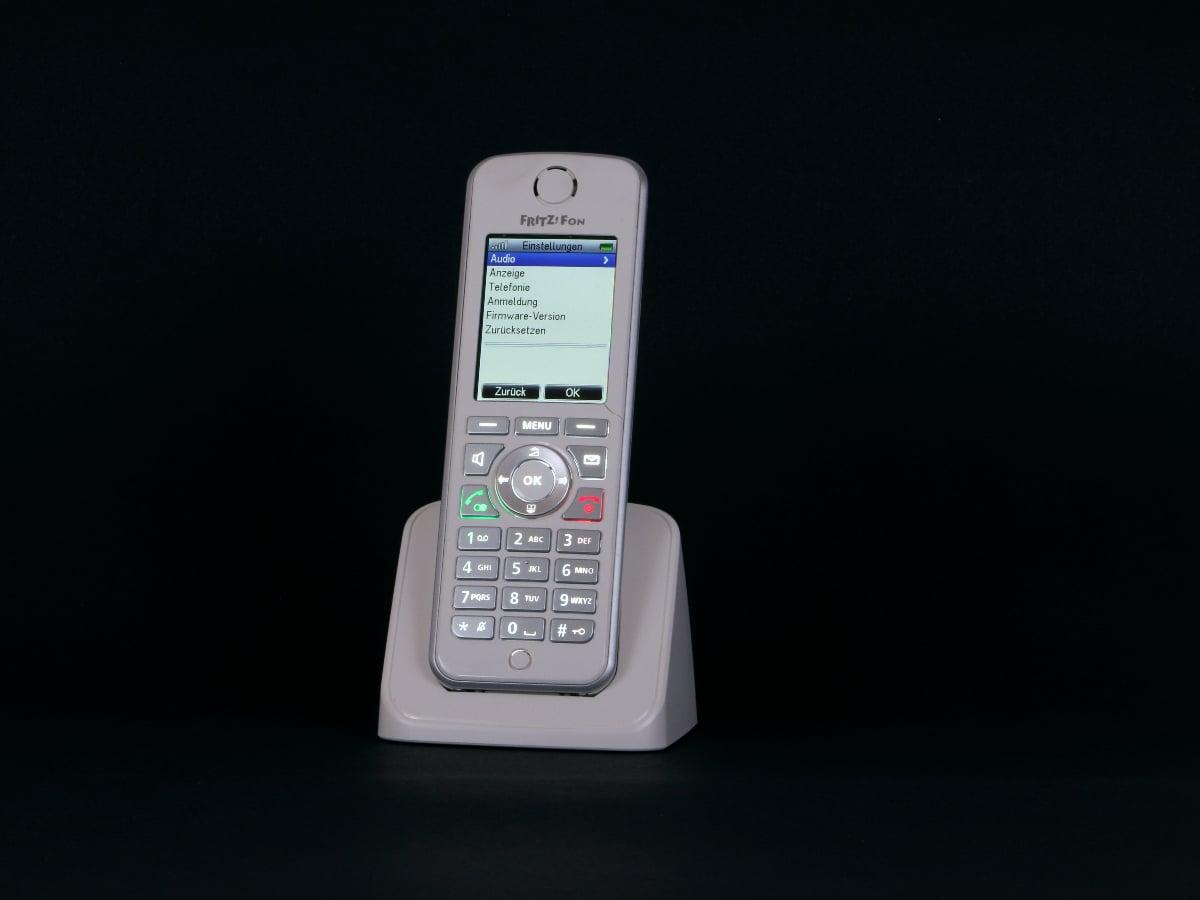 Por qué comprar un teléfono inalámbrico para familias